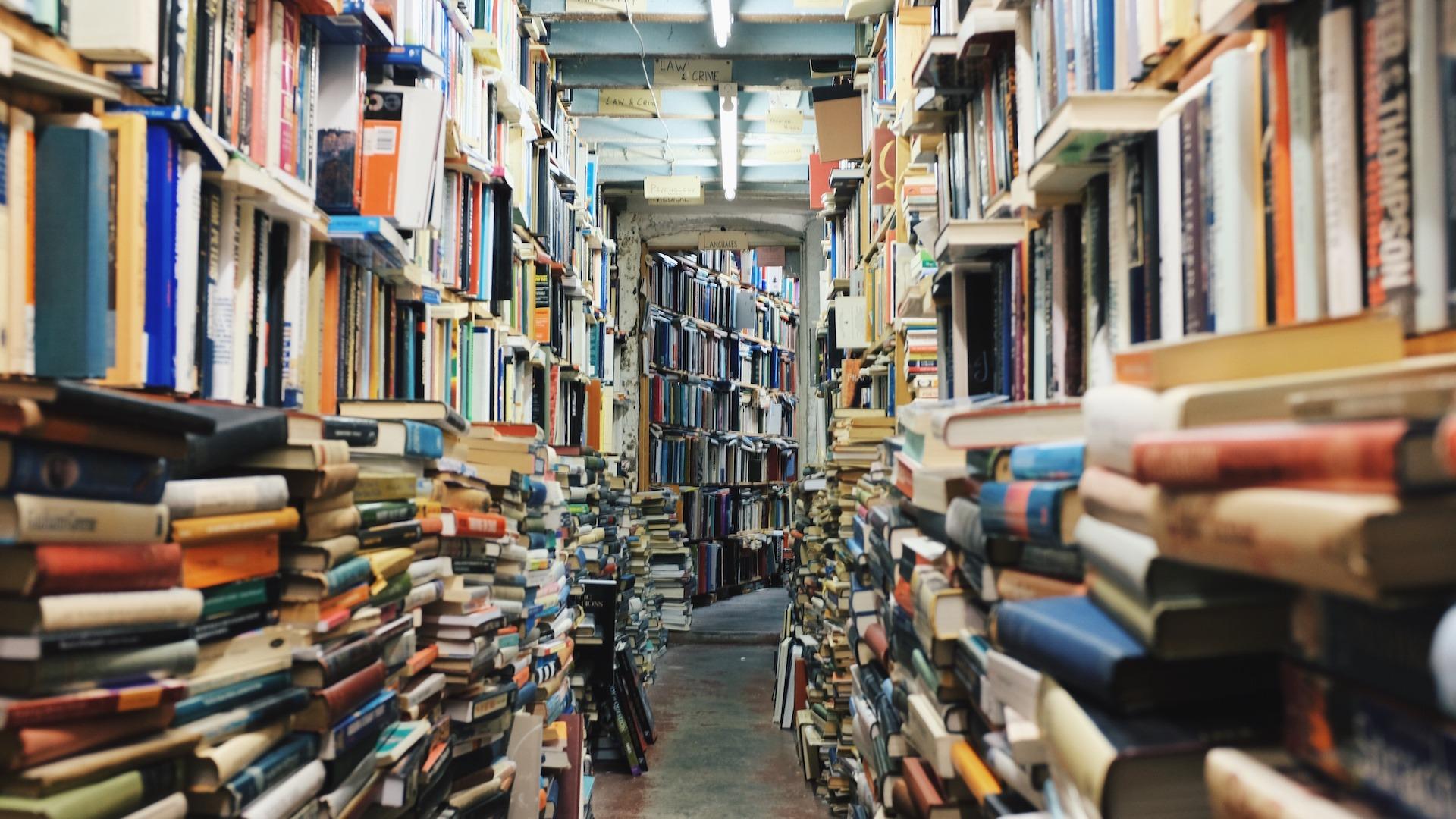Books journalism copywriting media marketing science knowledge transfer